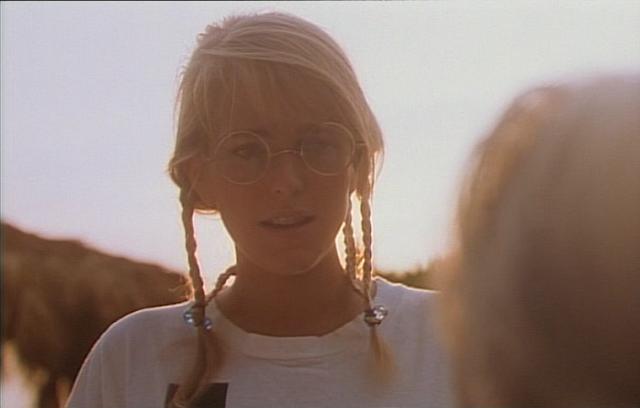 Conny (Dorian D. Field) mit Brille und Zöpfen