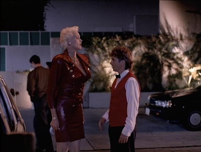 Brigitte Nielsen als Blickfang